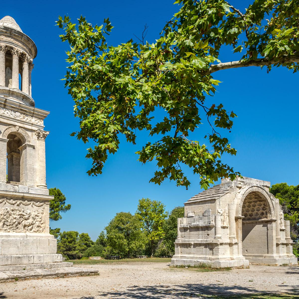 location-villa-piscine-proche-saint-remy-provence