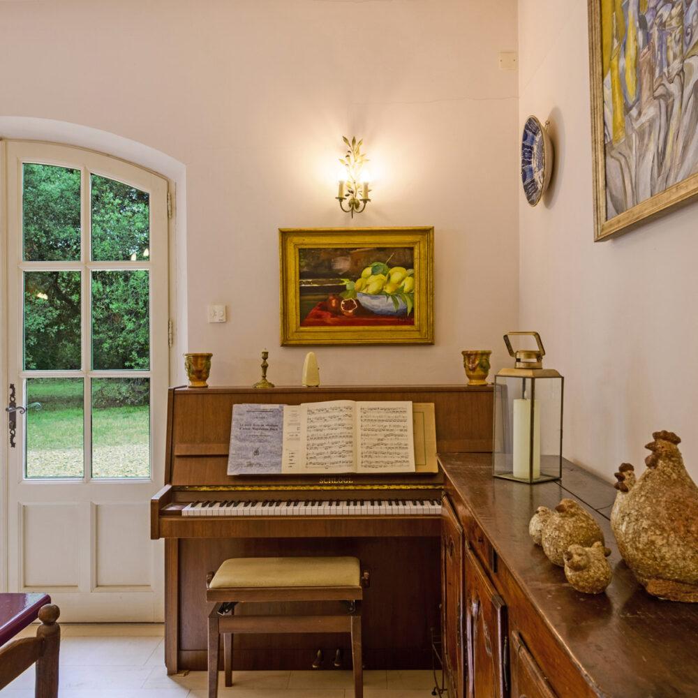 salon-musique-location-mas-provence
